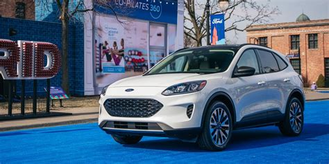 2020 Ford Escape Hybrid Gas-Electric SUV and Plug-In