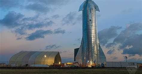 SpaceX's massive Starship test rocket shines in Boca Chica