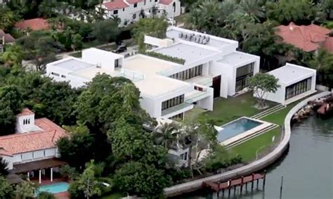 New York Yankees' A-Rod to sell Miami Beach Dream Home for