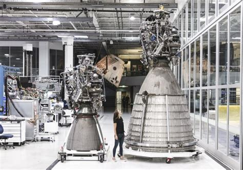 SpaceX Speeds Ahead With Key Prototype For NASA Moon